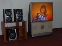Audio- und Video-Anlage für den neuen Englischraum (Spende des Freundeskreises Neuwied-Bromley)